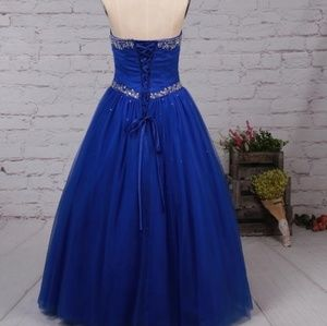 Dresses & Skirts - Blue Ballgown